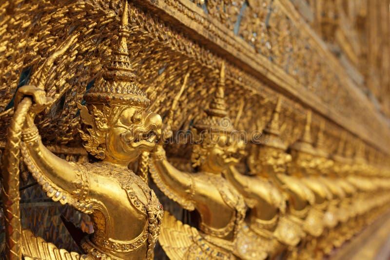 亚洲金黄雕象 库存图片