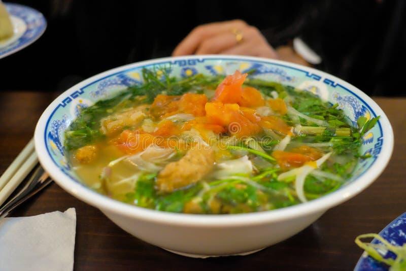 亚洲食物在餐馆 免版税库存照片
