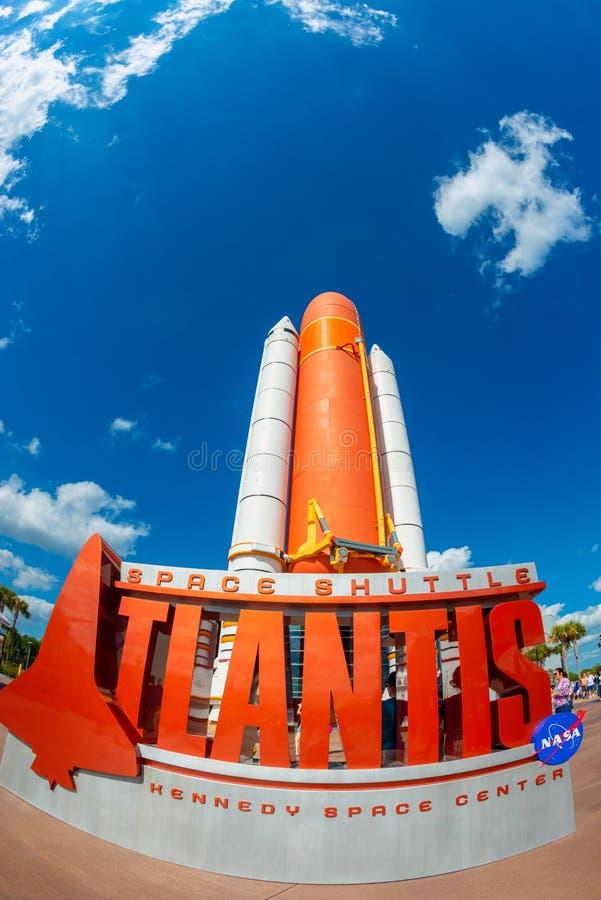 亚特兰提斯在肯尼迪航天中心访客复合体的航天飞机在卡纳维尔角佛罗里达美国 库存照片