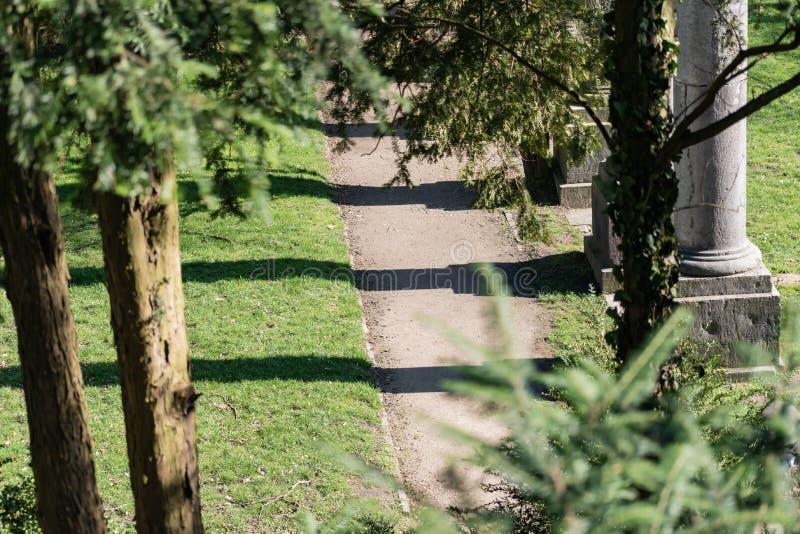 亚琛公园走道 免版税库存图片