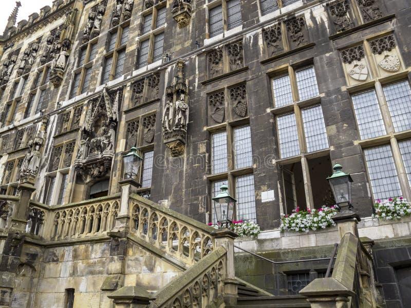 亚琛城镇厅门面部份视图,在亚琛,德国 库存图片