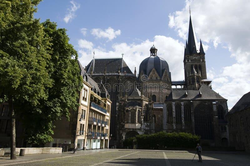 亚琛主教座堂的北门面 库存图片