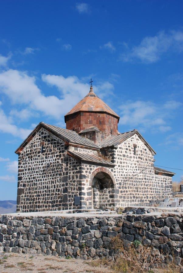 亚美尼亚在sevan附近的教会湖 库存照片