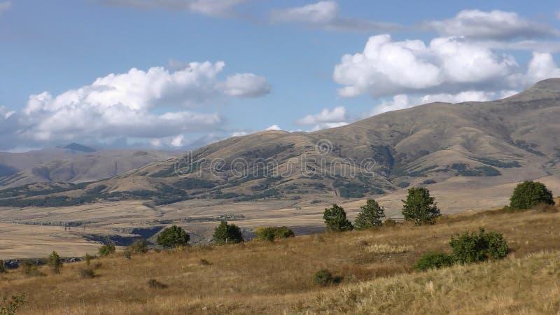 亚美尼亚,秋天颜色在阿拉加措特恩省 免版税库存照片