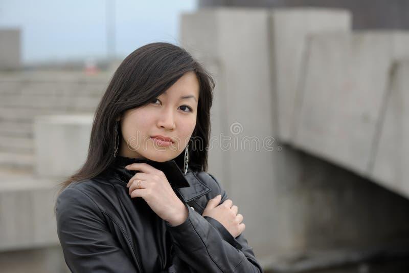 亚裔妇女纵向 免版税库存照片