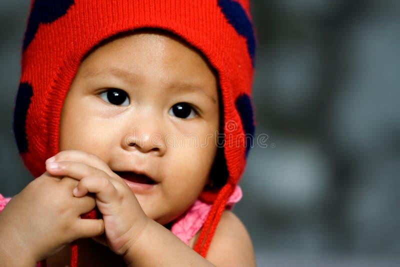 亚裔婴孩逗人喜爱的女孩 免版税库存图片