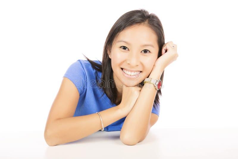 亚裔微笑的妇女画象  免版税库存图片