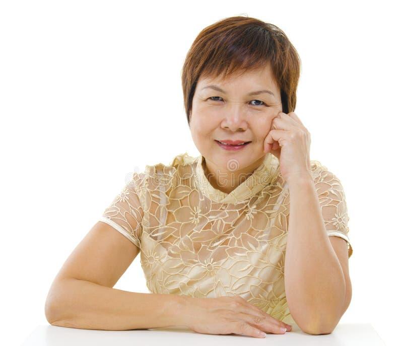 亚裔成熟妇女 免版税库存照片