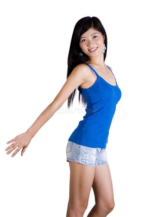 亚裔执行健身女孩 免版税图库摄影