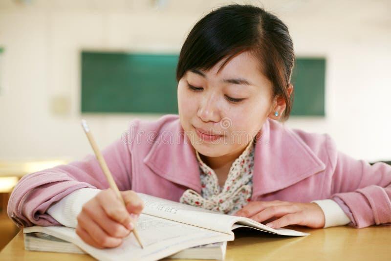 亚裔教室女孩 免版税库存照片