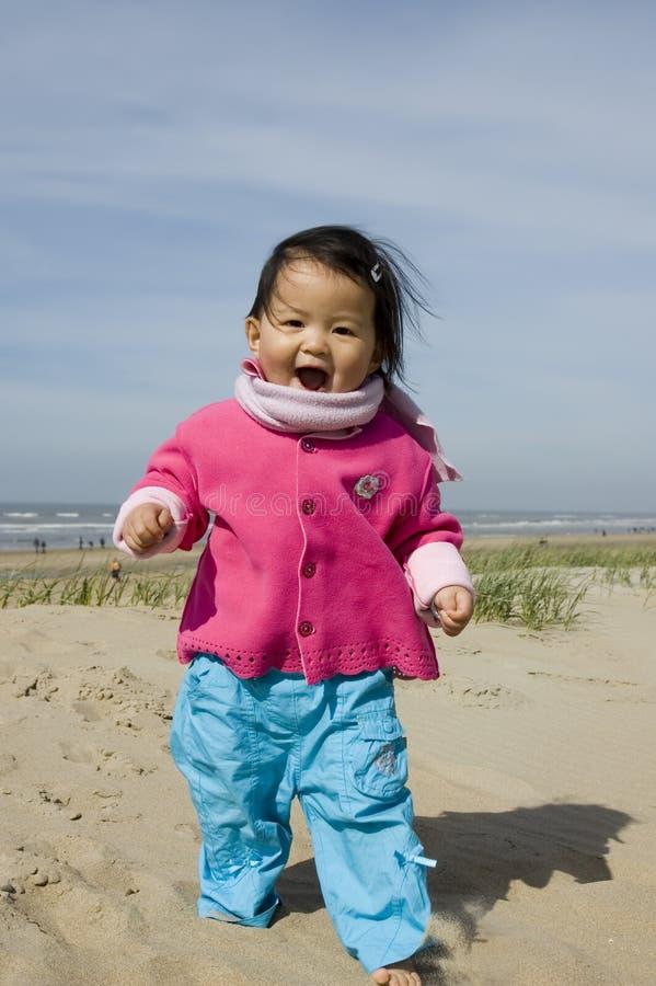 亚裔海滩女孩一点 免版税图库摄影