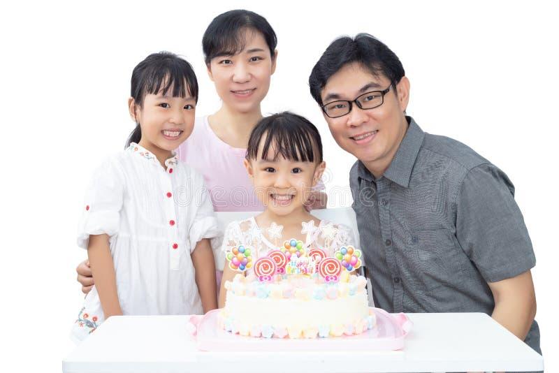 亚裔矮小的中国姐妹庆祝与的母亲的生日 库存照片
