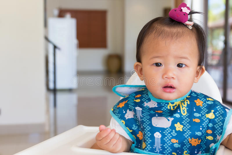 亚裔逗人喜爱的婴孩 免版税库存照片