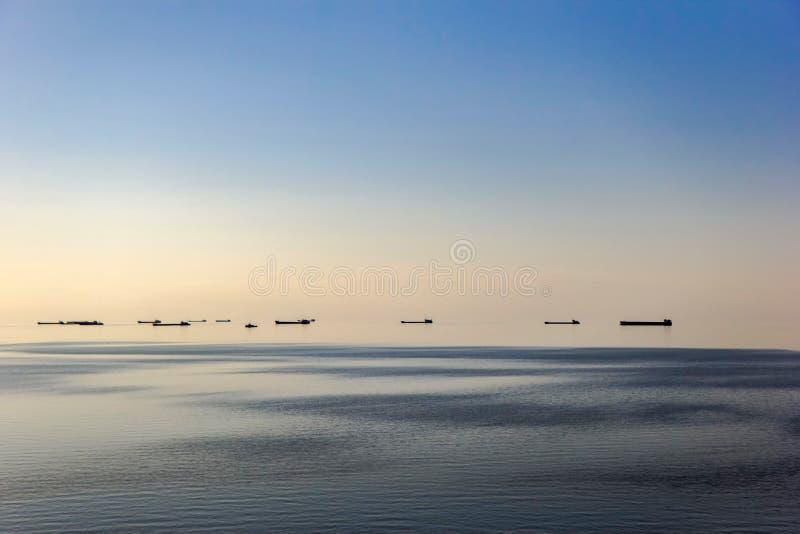 亚速号海的晚上风景 免版税库存图片