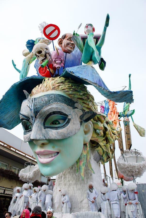 维亚雷焦意大利节日狂欢节游行  免版税库存图片