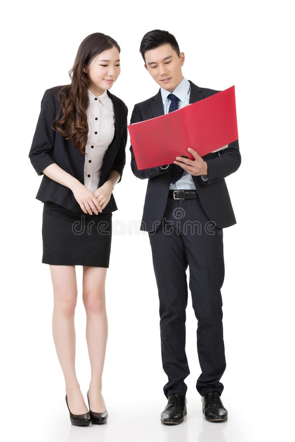 亚洲商人和妇女谈论 免版税库存图片