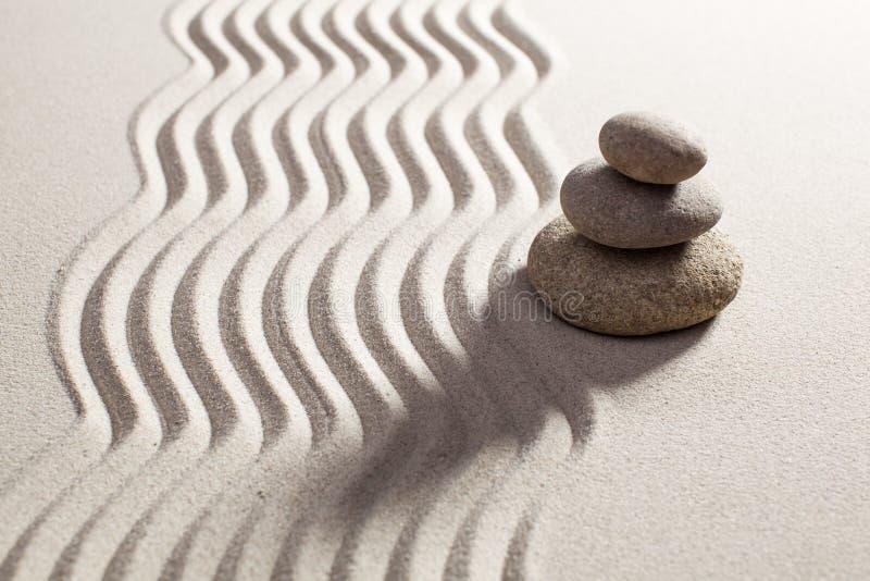 亚洲平衡设计与石头 免版税库存照片