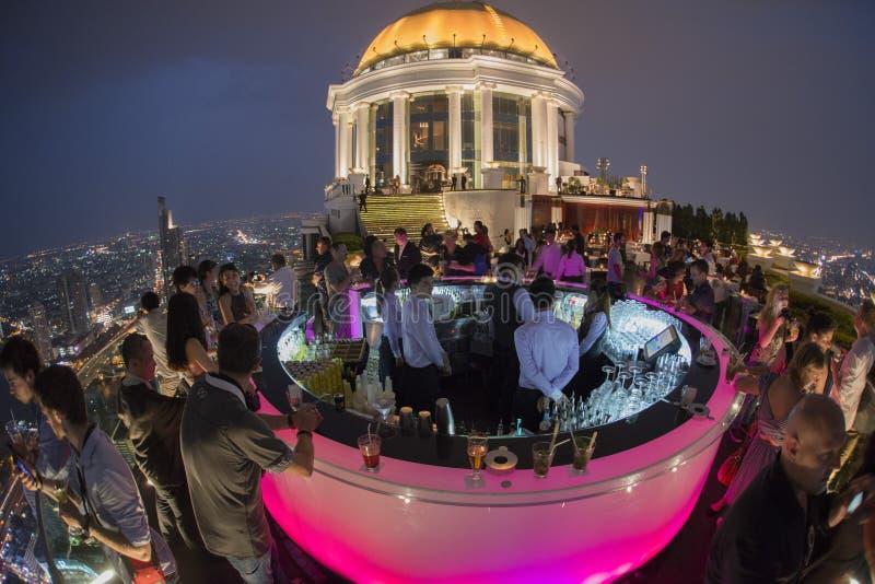 亚洲泰国曼谷河沿天空酒吧 免版税库存图片