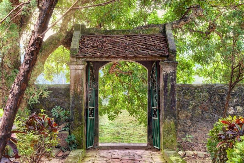 亚洲热带庭院, Ninh Binh,越南 库存图片