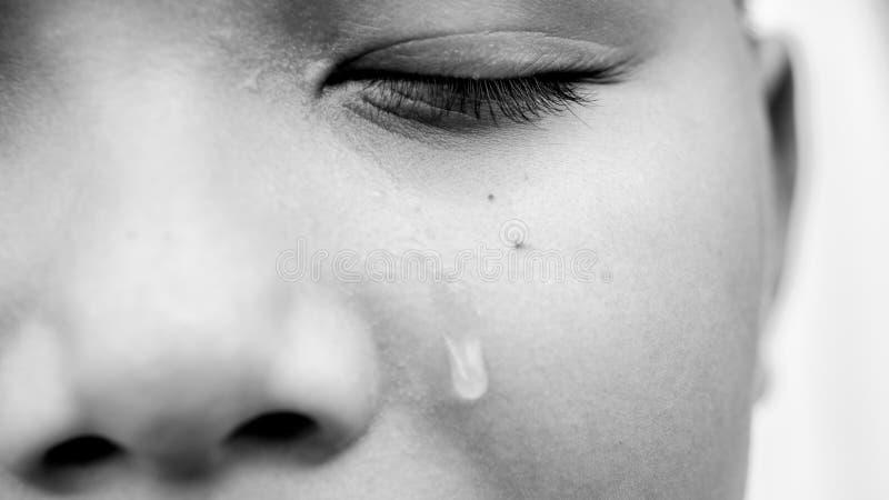 年轻亚洲男孩哭泣 图库摄影