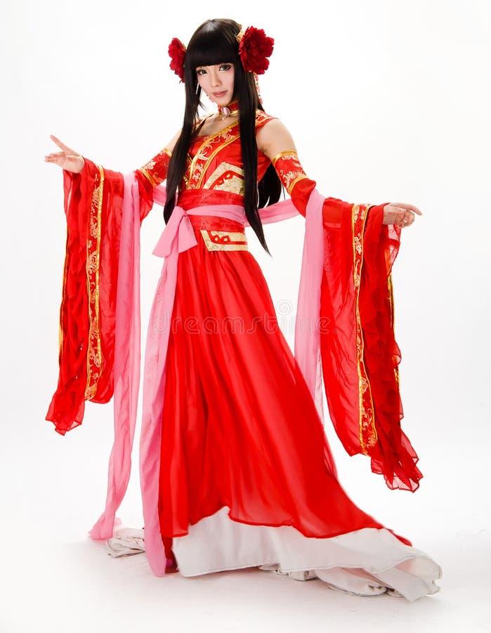 亚洲红色传统礼服舞蹈家的中国式女孩