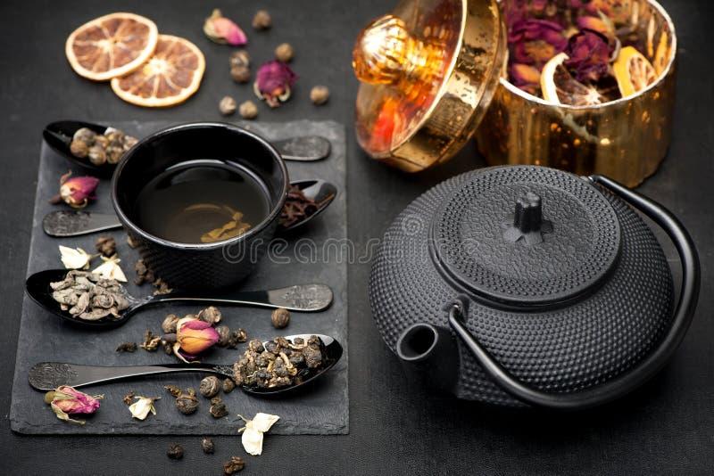 亚洲茶具绿茶 库存照片