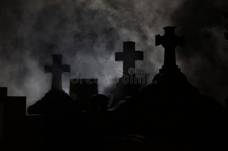 交叉坟园墓石 库存图片