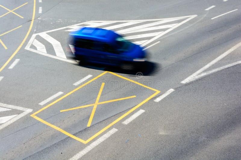 交叉路在中心 免版税库存照片