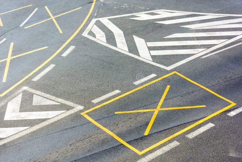 交叉路在中心 库存图片