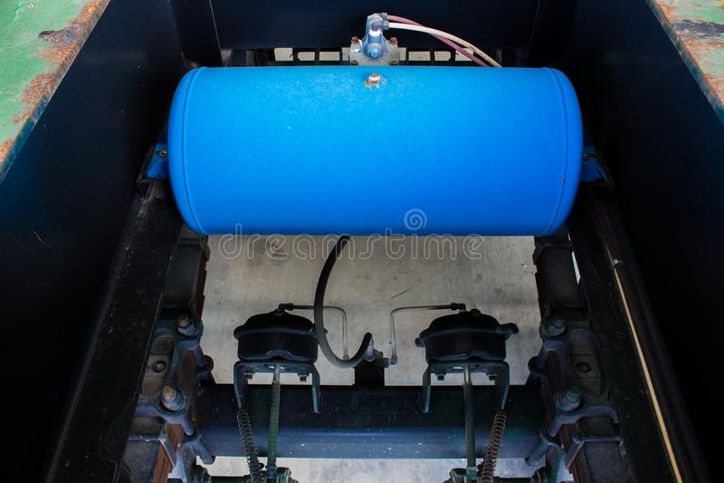 交换气闸坦克、空气坦克耐用卡车的和拖车 免版税库存照片