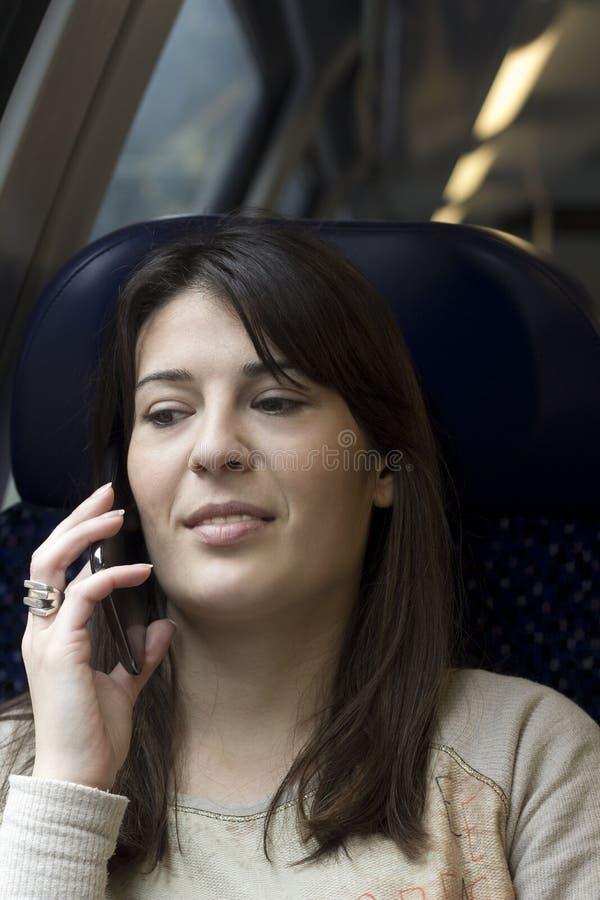 交谈对话s电话妇女 免版税库存照片