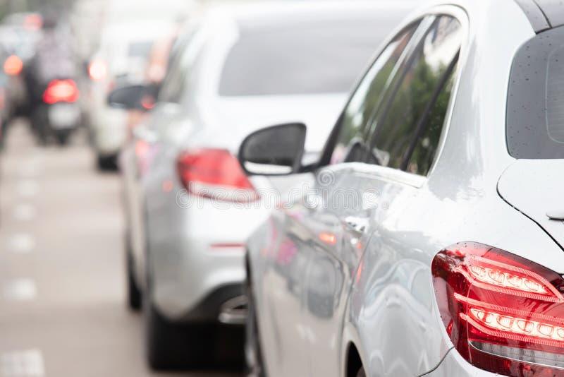 交通线在城市街道路的方式堵车 库存照片