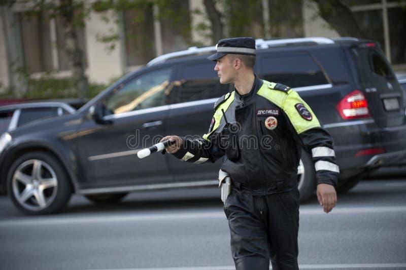交通警工作 俄国 2016年6月 免版税库存照片