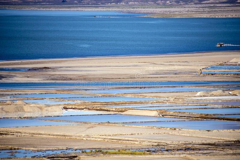 亦称盐湖Afrera湖Afdera或Giulietti或者Egogi,在远处Danakil,埃塞俄比亚 库存图片