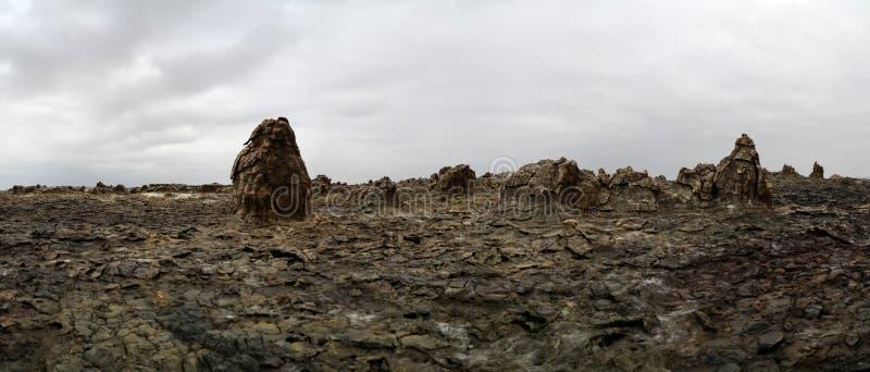亦称盐湖Karum在远处Assale或Asalem,埃塞俄比亚 免版税库存照片