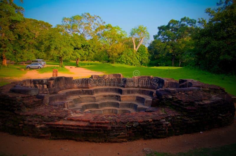 亦称荷花池在Polonnaruwa古城的Nelun Vihara,斯里兰卡 免版税库存图片