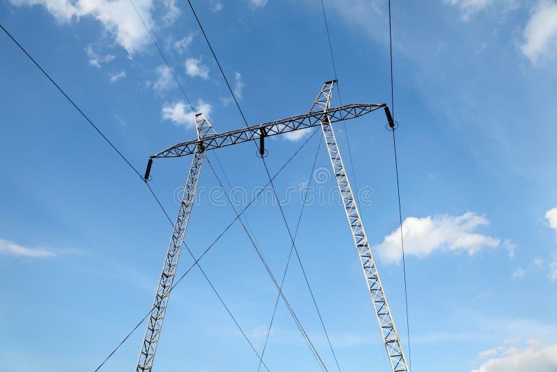 产业高压电定向塔 库存图片