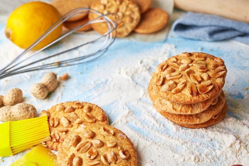 产品集顶视图烹调的曲奇饼 免版税库存图片