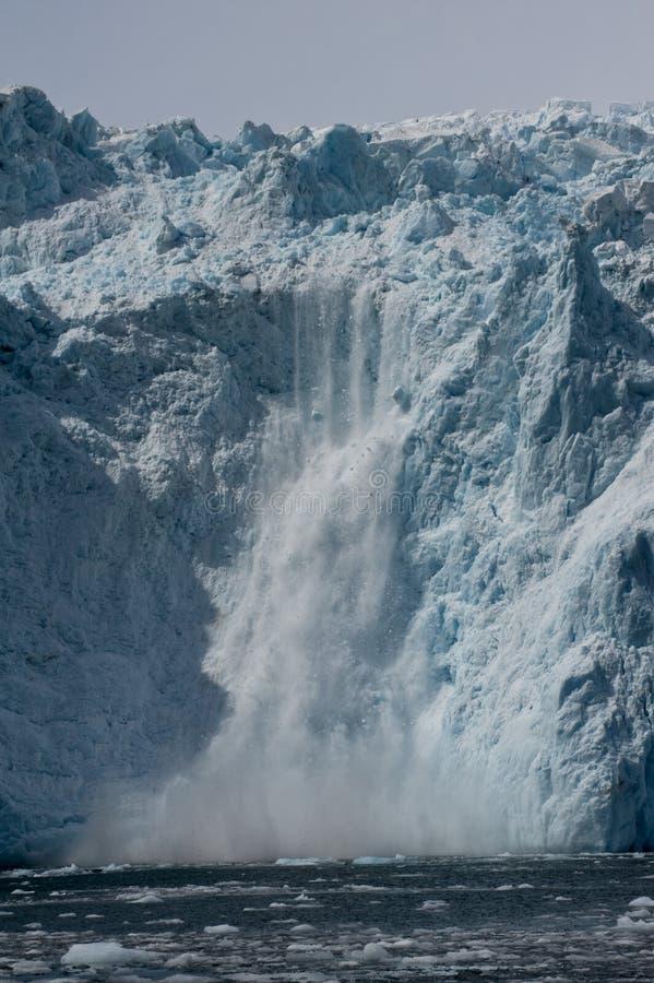 产犊的冰河冰 免版税库存照片