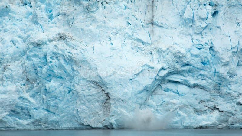 产犊的阿拉斯加的冰川 免版税库存图片