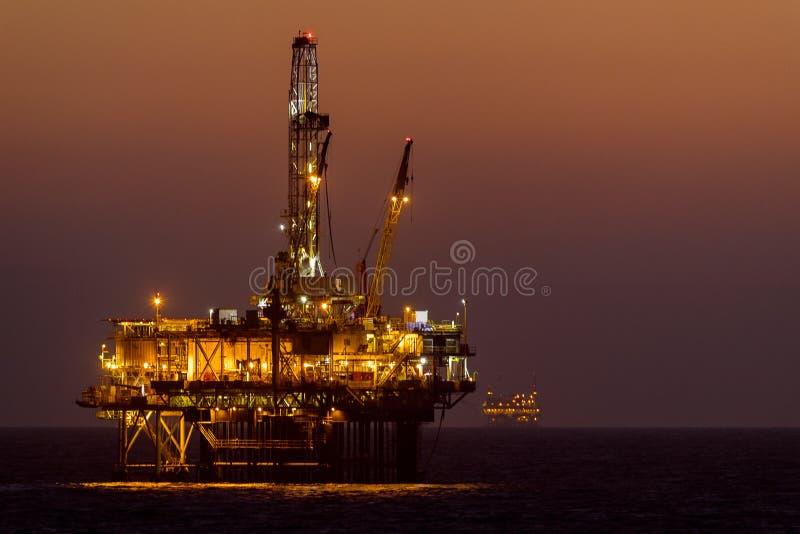 亨廷顿海滩近海石油平台/船具 免版税库存图片