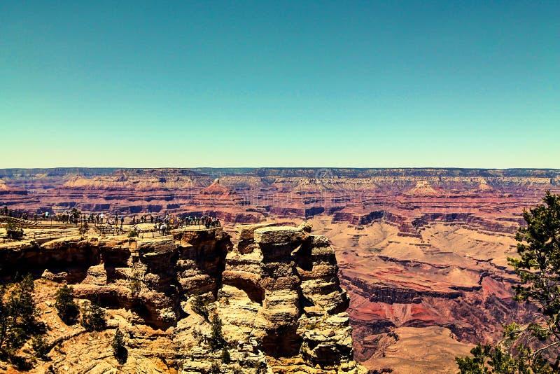 Download 享受大峡谷视图 库存图片. 图片 包括有 石头, 天旱, 背包, 人们, 天气, 国家, 旅行, 峭壁, 全部 - 62525517
