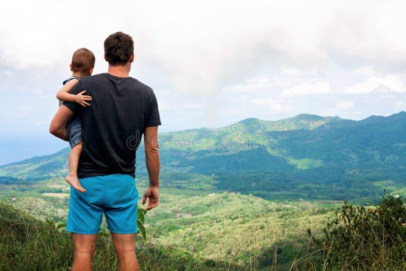 享受看法,毛里求斯的父亲和sone 免版税库存照片