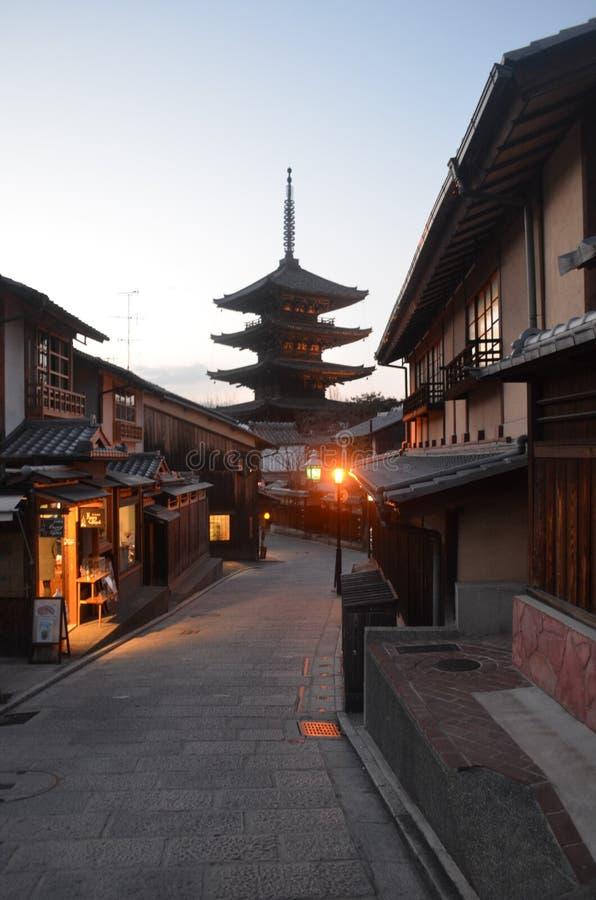 京都街道和塔 库存图片