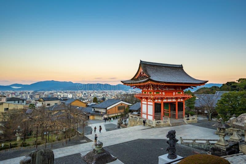 京都从Kiyomizu dera的地平线视图在日本 库存图片