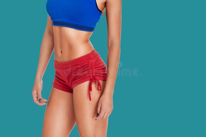 亭亭玉立的有氧运动健身妇女画象 图库摄影