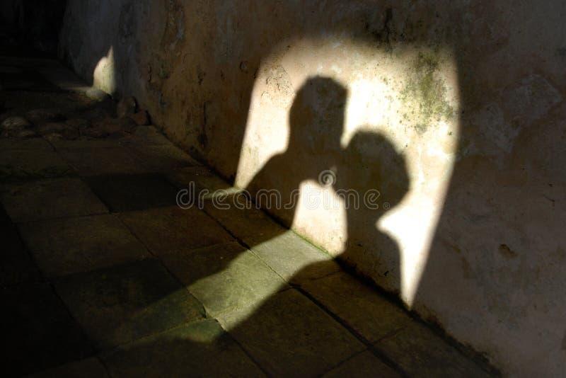 亲吻影子 库存照片