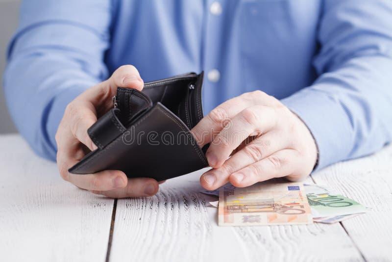 人们、事务、财务和金钱概念-接近busin 免版税库存照片
