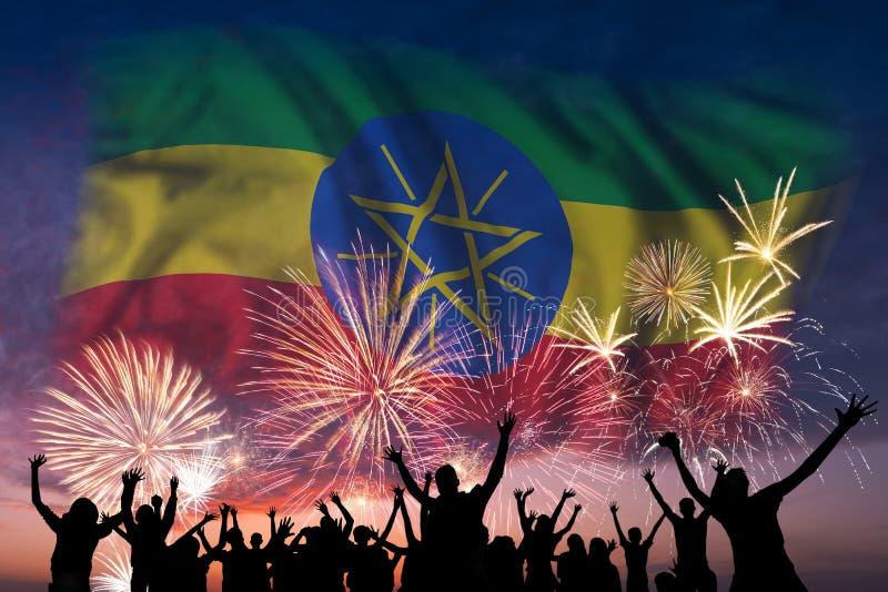 人们在埃塞俄比亚的烟花和旗子看 向量例证