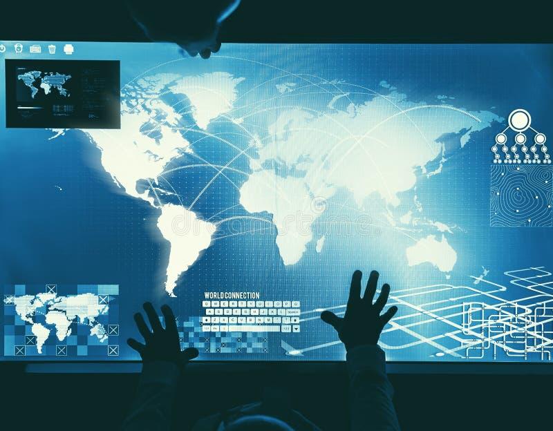 人们在技术网络空间会议图片